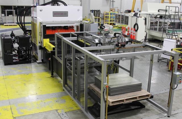Luxury Vinyl Tile die cutting press machine