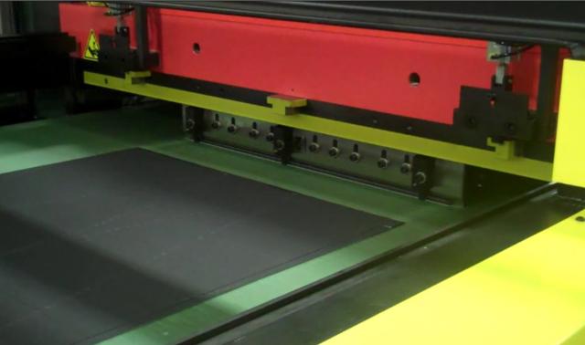 SCHWABE SR HYdraulic Press die cutting PVC planks
