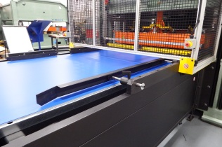 Accurate Material Alignment Urethane Cutting Belt Feed System