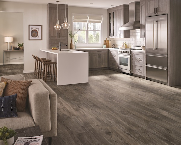 Armstrong Flooring American Personality 12 LVT Wallingford Oak Essential Beige Aug5.jpg_600x0